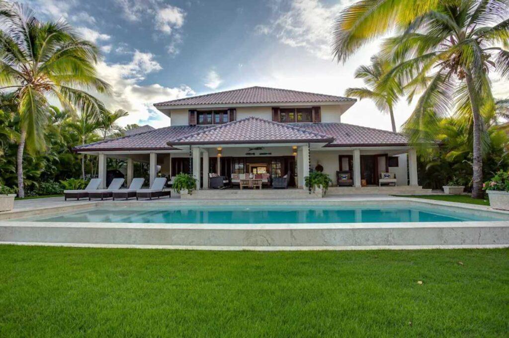 A wonderful 4-bedroom villa in Punta Cana, part of Puntacana Resort