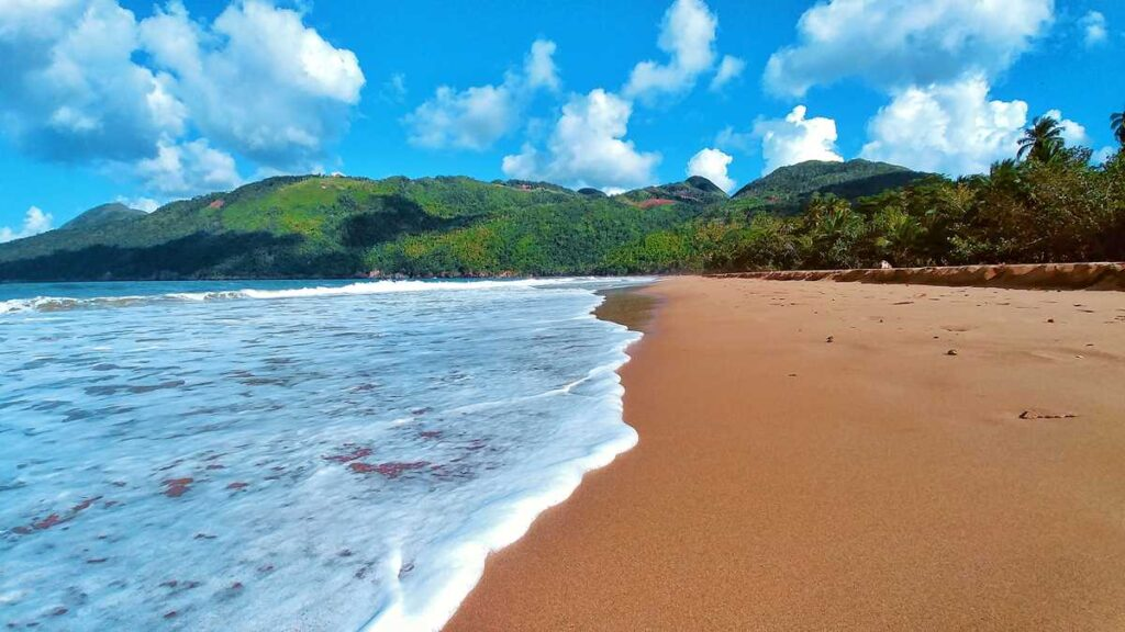 The pristine beach of Playa El Valle on the peninsula of Samaná