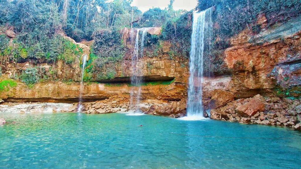 The waterfall Salto Alto de Bayaguana south of Los Haitises National Park