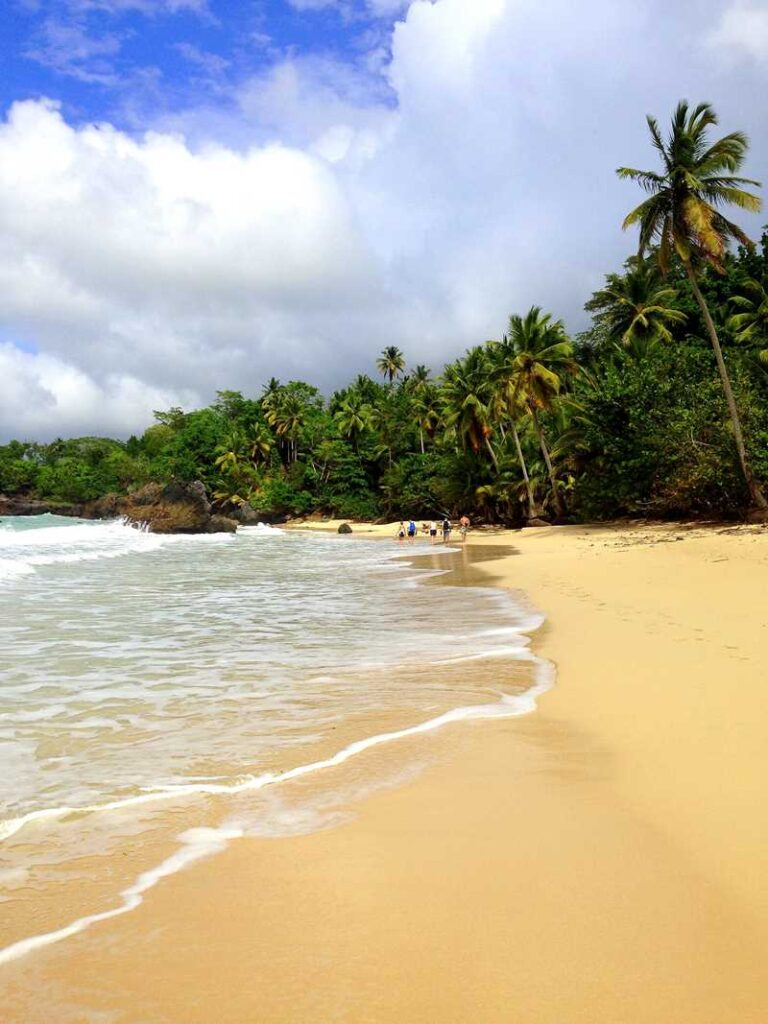 One of the several beaches between Las Galeras and Playa Rincon