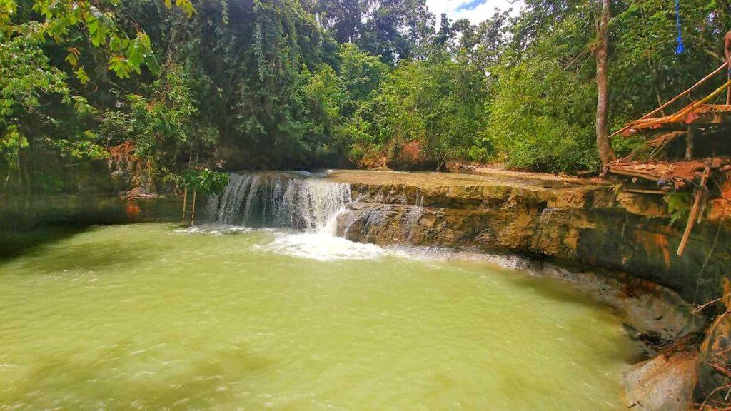 Waterfall Salto de Yanigua close to Los Haitises National Park