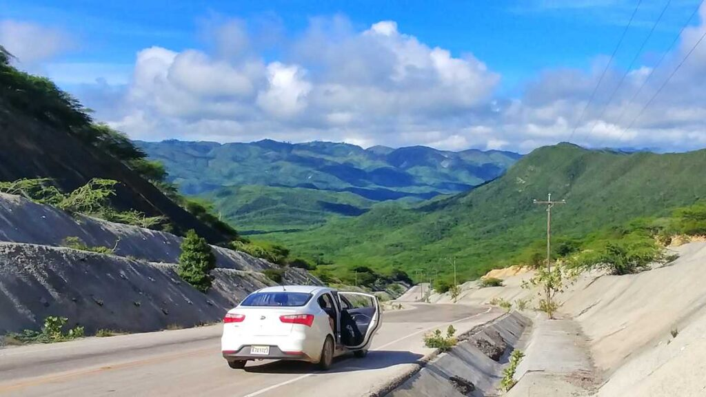 Road-Trip through the west of the Dominican Republic with views on the Sierra de Neyba