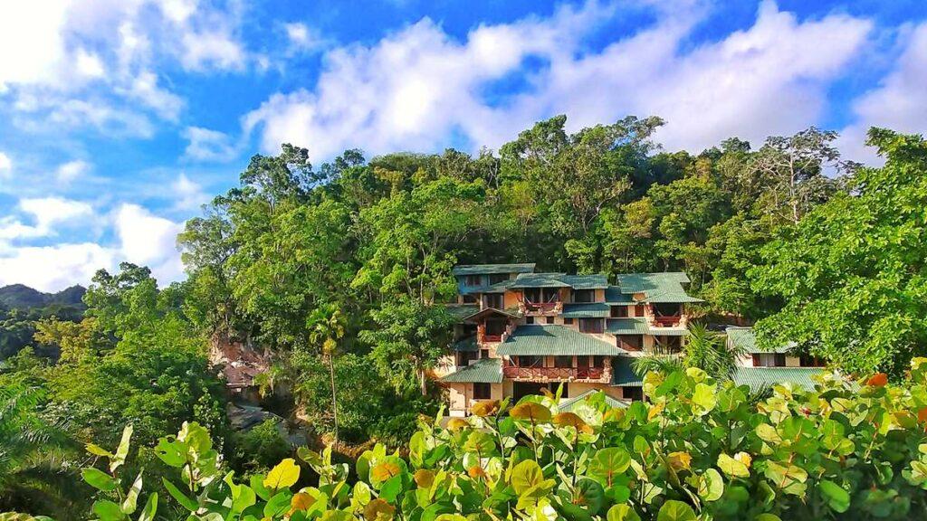 A beautiful eco-lodge at Los Haitises National Park, Altos de Cano Hondo