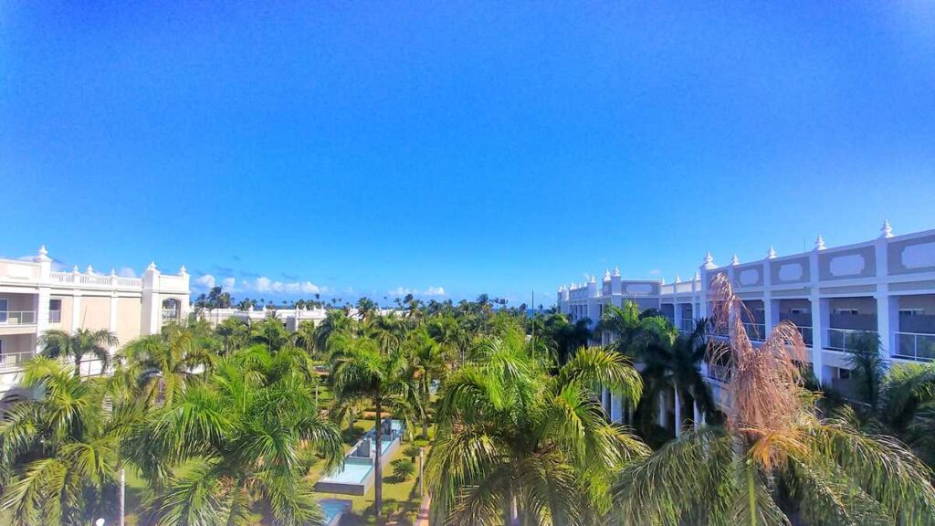Overview of RIU Palace Bavaro, an all-inclusive resort in Punta Cana