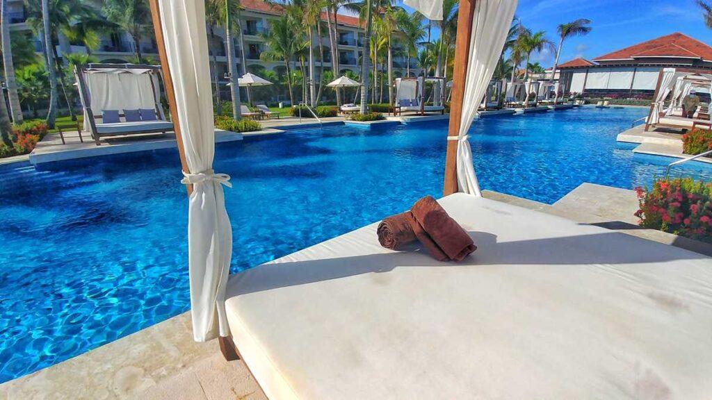 Beautiful bali beds for everyone at Secrets Royal Beach