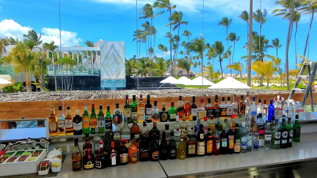 Preferred Club bar at Secrets Royal Beach, an adults-only all-inclusive resort in Punta Cana