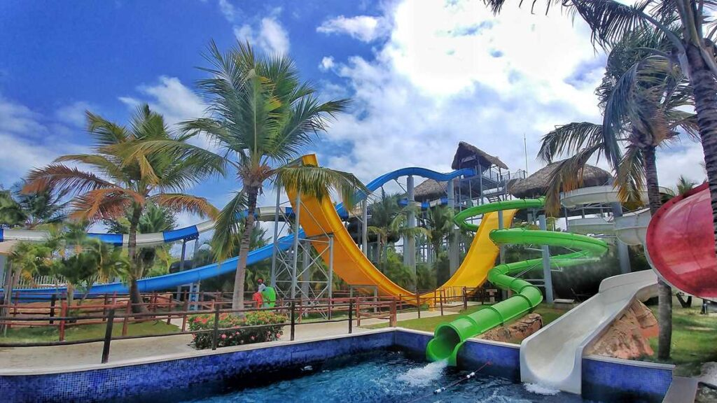 Royalton Punta Cana and Royalton Splash do have their own water park in Punta Cana