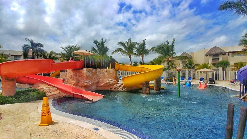 Royalton Punta Cana and Royalton Splash do have their own water park in Punta Cana