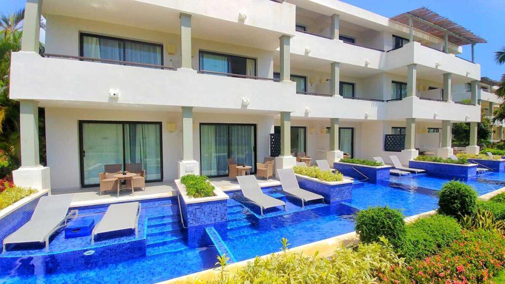 The swim-up suites at Catalonia Royal Bavaro in Punta Cana