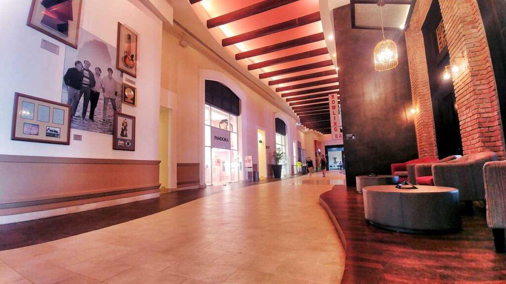 The boulevard, Hard Rock Punta Canas main entertainment area